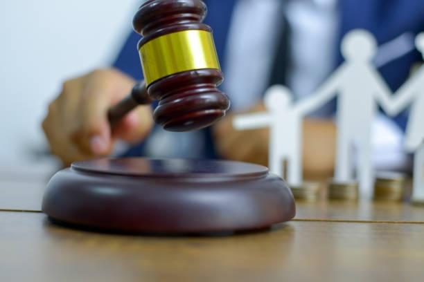 Divorce Lawyer Can Help You Solve the Alimony Issues